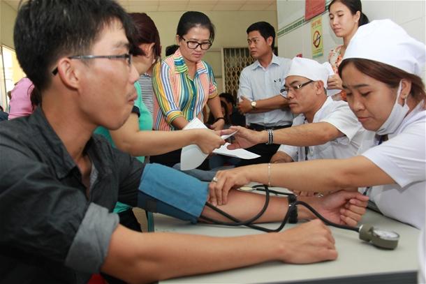 Hình Công đoàn viên chức tỉnh Bình Thuận tổ chức ngày hội hiến máu tình nguyện 2016